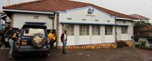 """Uganda: """"Cálice Transbordante"""" e sementes de Amor"""